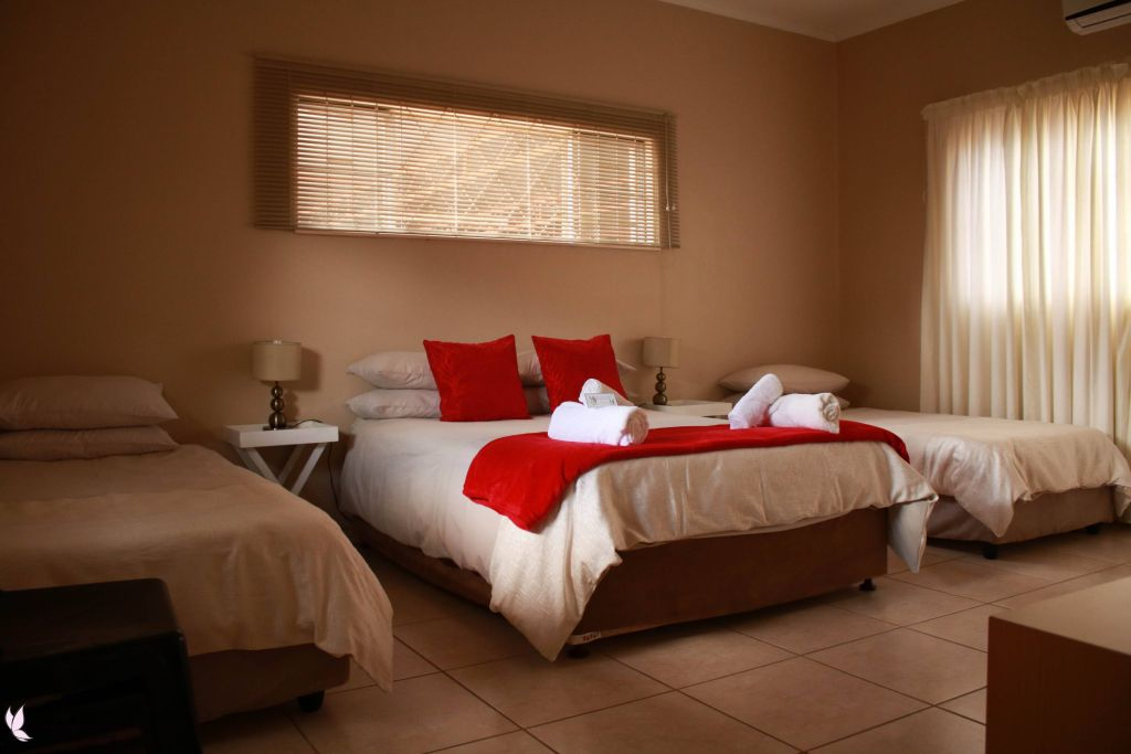 Double bed and 2 single beds Keetmanshoop